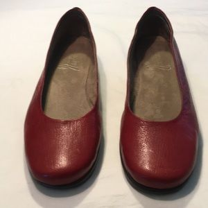 AEROSOLES Stitch And Turn Red Slip On Shoes Sz 12